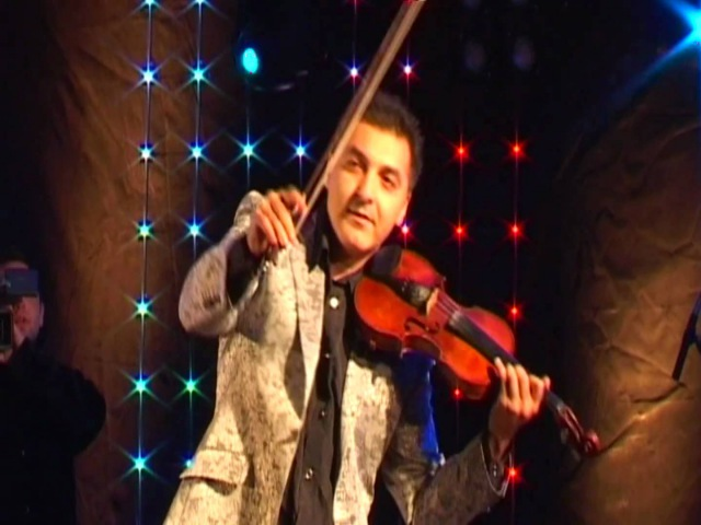 Тигран Петросян - Интерактивная скрипка (18.09.2010, © TED films)