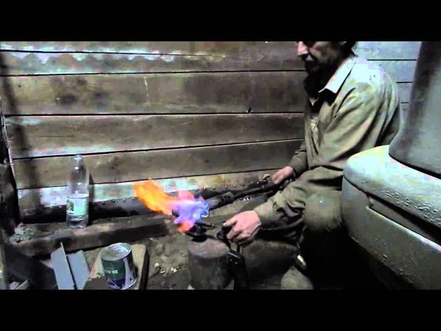 Вода горит Так я зажёг воду Паяльная лампа почти на воде