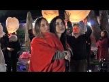 Sarah e Veronica - People Help The People