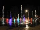 Цветной танцующий фонтан. Город Курск 2015.