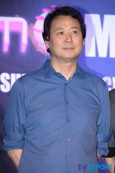 [Exclusive] Песня  'Pick Me' из 'Produce 101', оказывается, была написана хитмейкером Ким Чан Хваном.