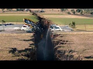 Разлом Сан-Андреас (2015) / ФИЛЬМЫ КАТАСТРОФЫ / Про мощное землятресение. Дуэйн Джонсон