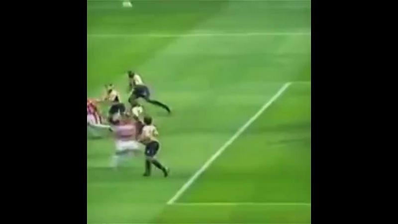Legendary save by David Seaman! goalkeepervines goalkeepersaves football soccer futbol Song: Bullet Train - Stephen Swartz