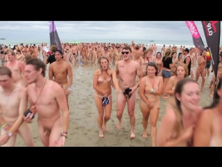 BW Skinny Dip - Guinness World Record Attempt Gisborne 2012. Попытка установить рекорд Гиннеса (Нова Зеландия) ..