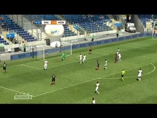 Марлос забивает в ворота  Монако