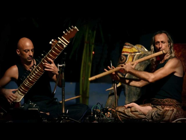 Avi Adir Kristian Jyoti 1 (live concert Anjuna, GOA 2012)