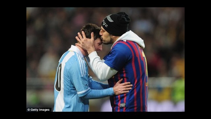 Lionel Messi Pitch Invaders ● Respect!
