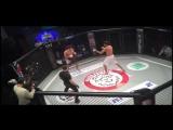Узбекский боец за минуту победил Казахского чемпиона