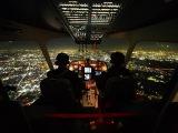 Взлет и посадка самолета. Вид из кабины пилота, на ночной город. The view from the cockpit