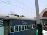 Глупая смерть на крыше поезда. Stupid death on the roof of the train.