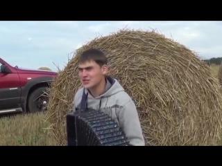 Песни под гармонь.СПАТЬ ГАРМОШКА НЕ ДАЕТ...поет Владислав Власов - YouTube_0_1450605374220