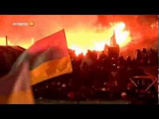 Гімн України на охопленому вогнем Майдані 18 лютого