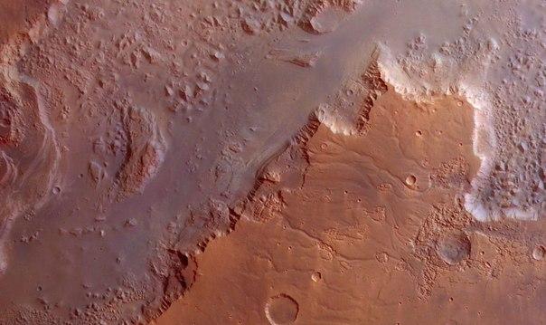 Эос Часма (Снимок Марса аппаратом Марс-экспресс)