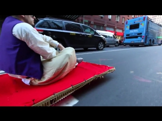 Аладдин зажигает на улицах мегаполиса   (СМЕШНО УЛЕТНОЕ ВИДЕО СМЕХ РЖАЧ ВИДЕО РОЛИК 6SEC Кино Just Video! фильм секс sex
