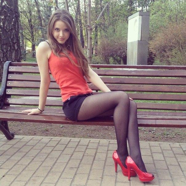 девочки подростки домашнее фото в мини юбке № 43043