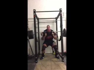 Laurence Shahlaei - Squat 307 kg x 6 reps on safety bar