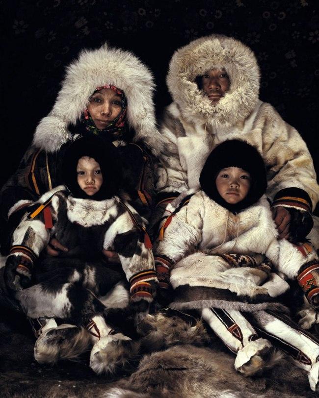 0z7Io78Tgbo - Шокирующие фото исчезающих племен