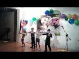 Зажигательный танец первоклассников на День матери