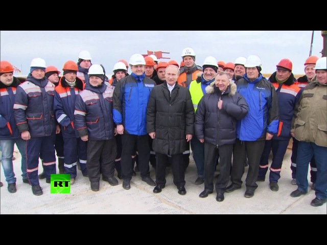 18.03.2016 Владимир Путин посетил место строительства Крымского моста