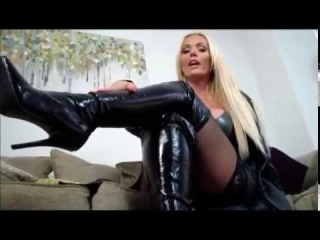 Latina chick Sheena Ryder unveils her trimmed bush wearing over the knee boots № 194754 без смс