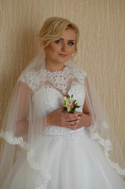Продається весільне плаття білого кольору