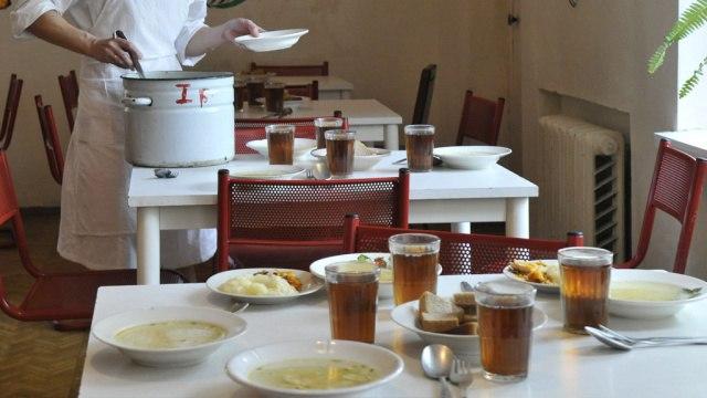 В пяти школах Нерюнгри приостановлена работа пищеблока