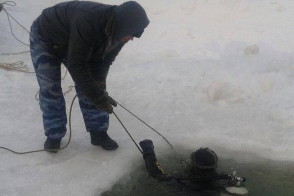 В Абыйском районе найдено тело водителя, провалившегося под лед
