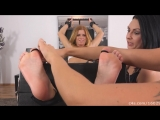 Chrissy Fox, Kara &amp Vanessa Twain crazy tickled