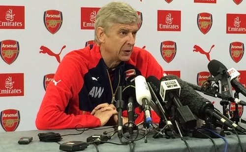 "Арсен Венгер: ""Арсенал"" будет активен на трансферном рынке из-за множества травм"