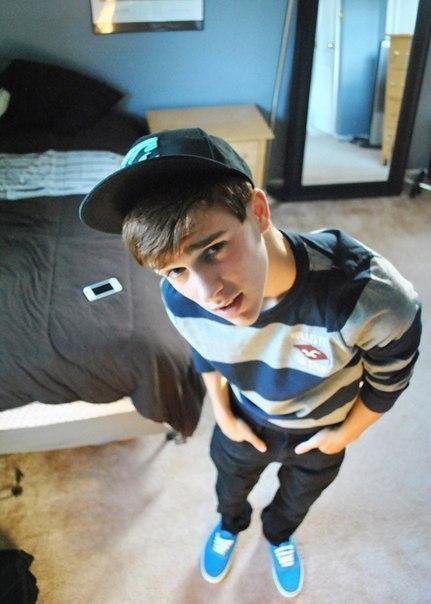 Мальчик без шорт с голой попай на физре фото 661-776