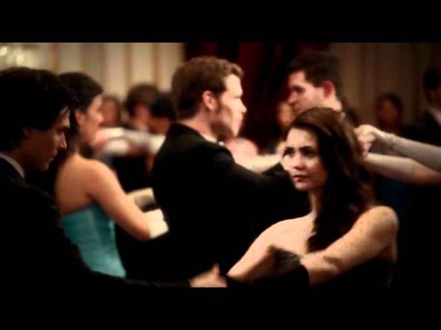 Дневники вампира. Танец на приёме в семье Майклсонов.