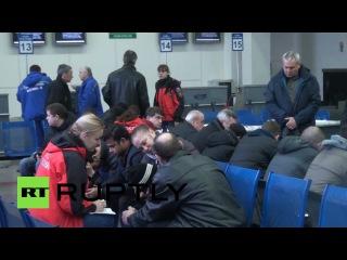 Родственники погибших при крушении Boeing пассажиров собираются в аэропорту Ростова-на-Дону