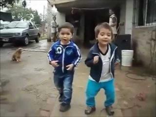 дети жгут нереальный дабстеп самое смешное видео приколы ржач дети танцуют танцы юмор