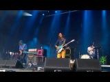 Tame Impala Led Zeppelin Intro + Solitude is Bliss (Glastonbury 2013)