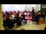 4- Ф. Шопен. Концерт для фортепиано с оркестром № 1 ми минор.,часть 1 ( запись обрезана в конце программой фотоаппарата )