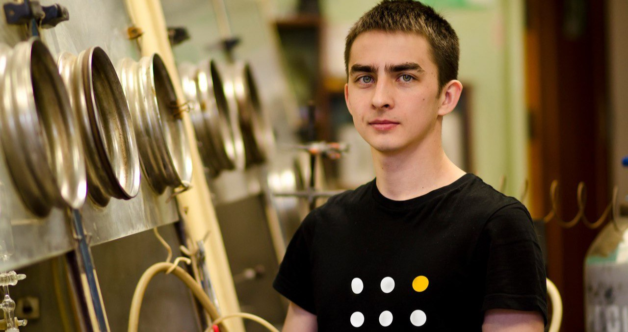 Александр Иванов, создатель проекта «Химия просто»: «Жить среди «дикарей» не хочется, поэтому надо всех вокруг научить»