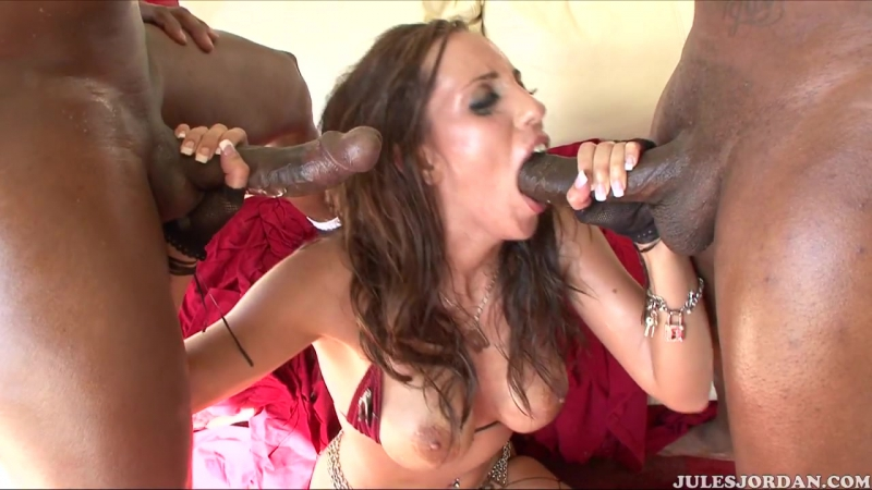 Oil Overload, 2 Kelly Divine, Anal, Big Butts, Big Cocks, Big Tits, Blowjobs, DP, Swallow, Interracial, Oil,
