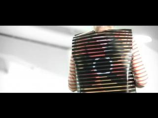 Anouk van de Sandes Print in Motion garments create moiré effects