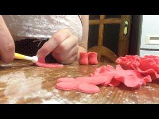 Розочка из мастики, розы для торта, первый раз делаю розочки из мастики, готовимся к юбилею