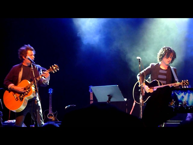 Billie Joe Armstrong performs Holiday @ Acoustic-4-A-Cure @ the Fillmore 5152014