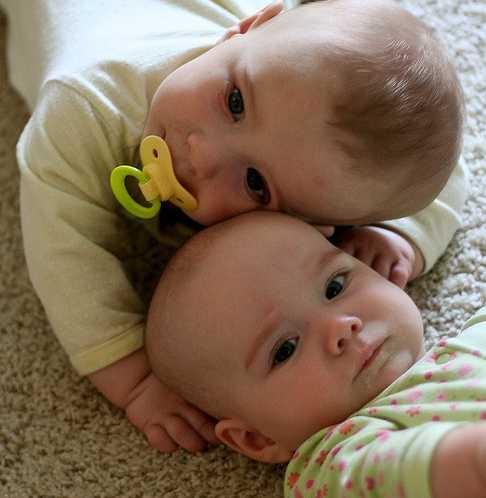 Больше счастья, чем ребенок, может принести только... два ребенка! Или три)