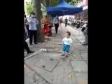 «Не трогайте мою бабушку!»