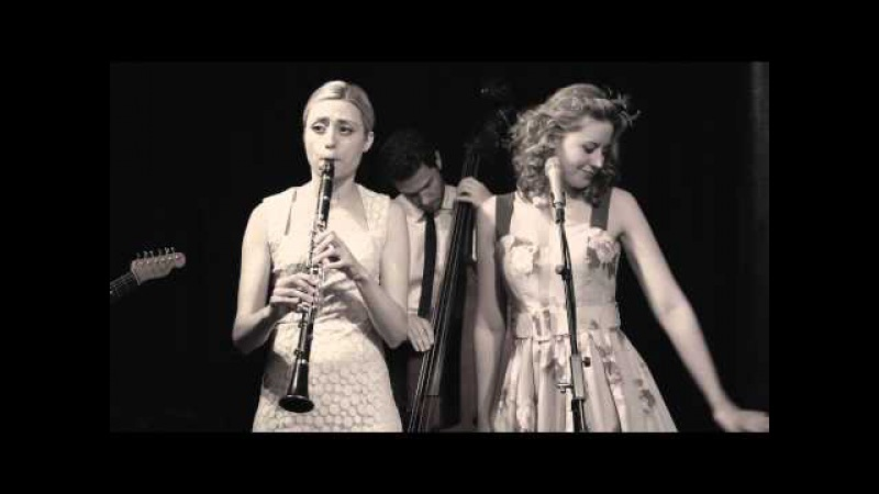 Tu Vuo' Fa' L'Americano Hetty the Jazzato Band