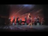 Инала. Музыка зулусские песни в исполнении знаменитого мужского хора Ladysmith Black Mambazo и Элла Спира Хореограф Марк