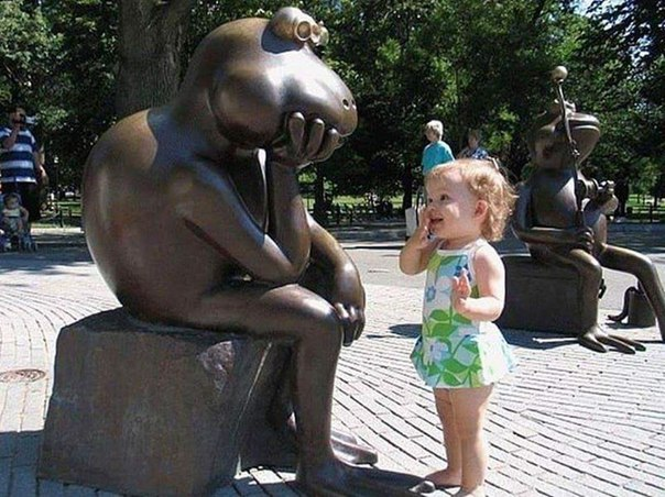 Дети и памятники!