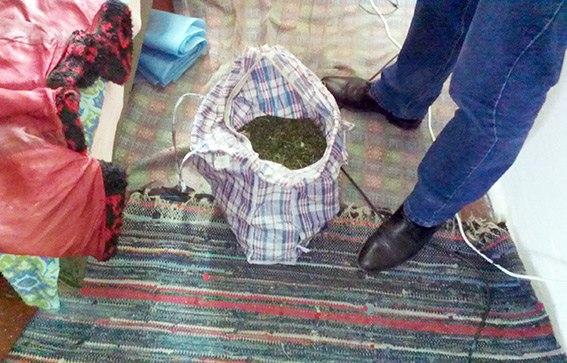 У мешканця Хмельниччини вилучили сумку коноплі