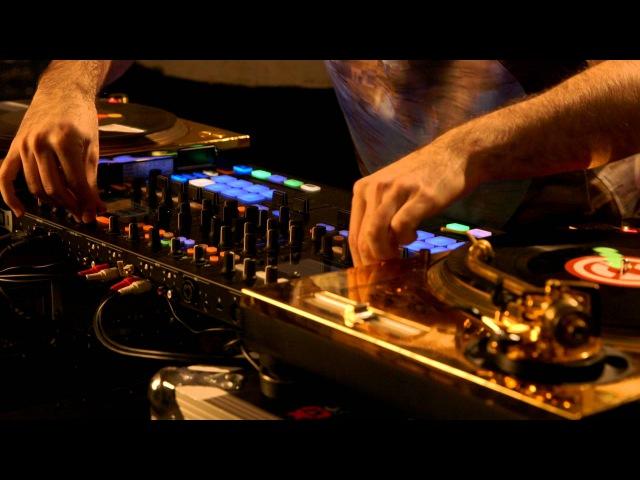 DJ Shiftee TRAKTOR KONTROL S8