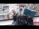 Дэт метал про Донбасс Священник спел на Русском марше