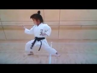 7-и летняя каратистка