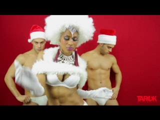 Gay Porn Stars Flex Xtremmo Allen King Robbie Rojo and A Bunch of Hunky Guys in Sexy Christm